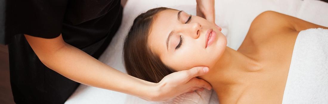 Cuidados y tratamientos para el cuello y el escote